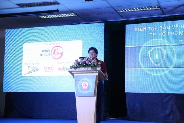 Ông Lê Thái Hỷ - Giám đốc Sở Thông tin và Truyền Thông TP.HCM phát biểu tại sự kiện diễn tập trực tiếp bảo vệ hệ thốn thông tin Thành phố 2016