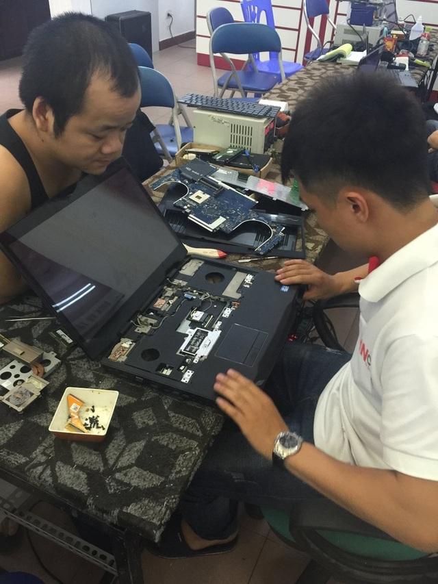 Khách hàng luôn được giám sát trực tiếp kỹ thuật kiểm tra và sửa