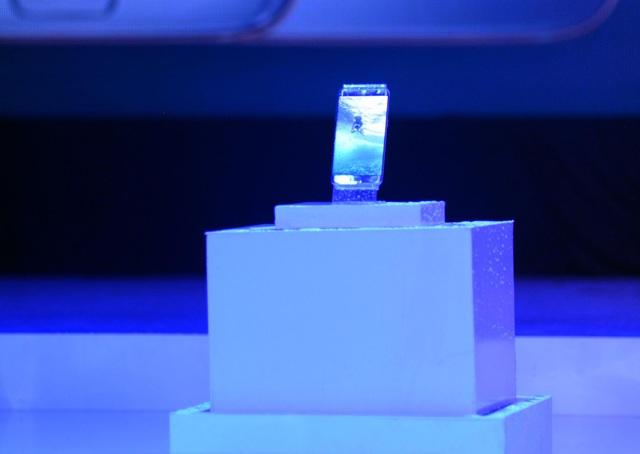 """S7 edge màu xanh coral sắp """"lên kệ"""", khách hàng có thể đặt trước từ 4/11 - 5"""