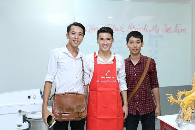Nụ cười thân thiện luôn thường trực trên khuôn mặt của đội trưởng đội tuyển Việt Nam