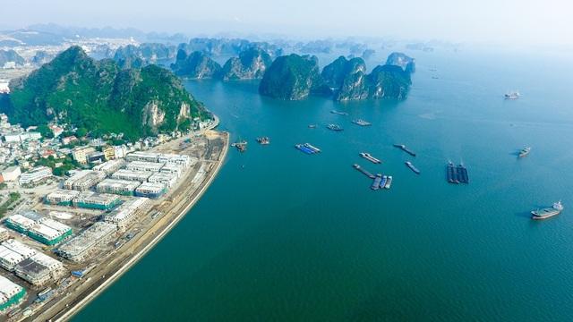 Vinhomes Dragon Bay nằm bên bờ Vịnh Hạ Long kỳ vỹ
