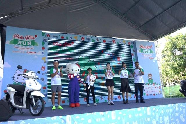 Kết quả may mắn thuộc về bạn Hoàng Thị Hồng Nhung - sinh viên năm 2, ĐH Sài Gòn. Đây là người duy nhất nhận được xe tay ga Yamaha Janus cá tính, sành điệu thiết kế phù hợp dành cho phái nữ.