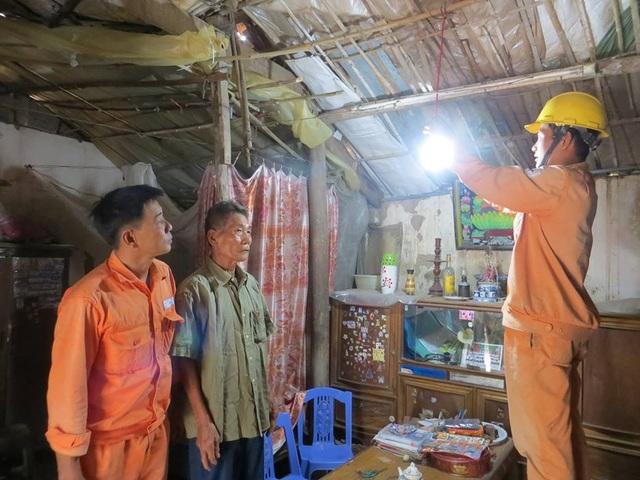 EVN HANOI: Tri ân khách hàng bằng những việc làm thiết thực, hiệu quả - 2