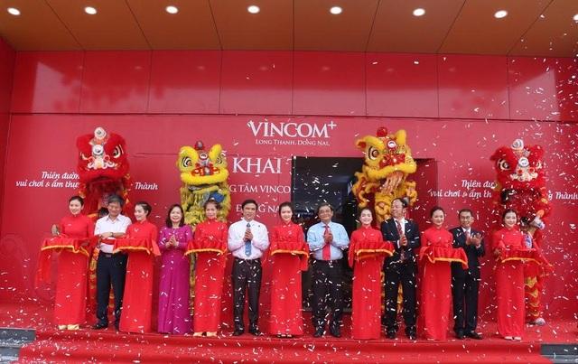 """Vingroup ra mắt mô hình trung tâm """"Vincom+"""" - 1"""