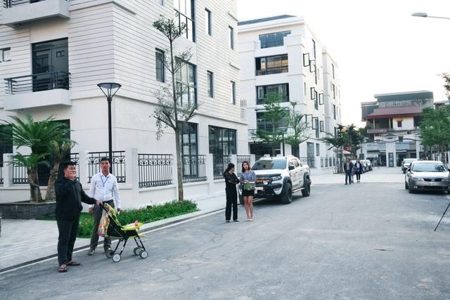 Tại Pandora, cư dân dễ dàng di chuyển với mặt đường chính rộng 12m, mặt đường nội thị rộng 9,5m