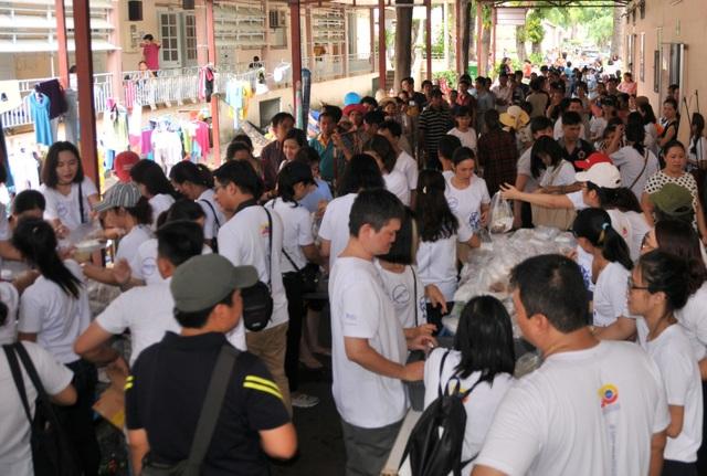 """Hơn 100 nhân viên Công ty Bảo hiểm Liberty Việt Nam tham gia chương trình """"Liberty vì Cộng đồng"""" tại TP.HCM."""