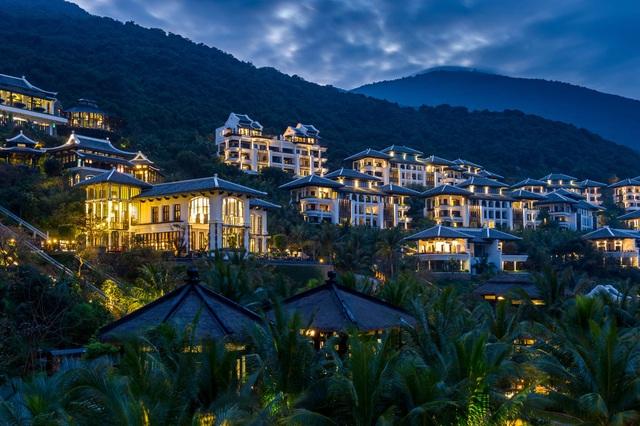 InterContinental Danang Sun Peninsula Resort giành 4 giải thưởng du lịch danh giá - 2
