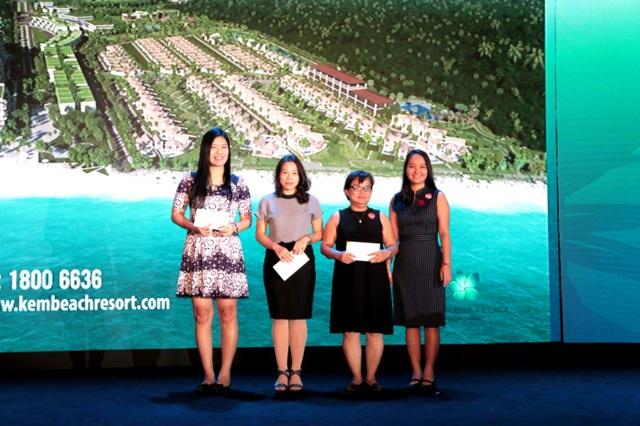 Trao giải tại sự kiện ra mắt Sun Premier Kem Beach Resort tại TP. HCM