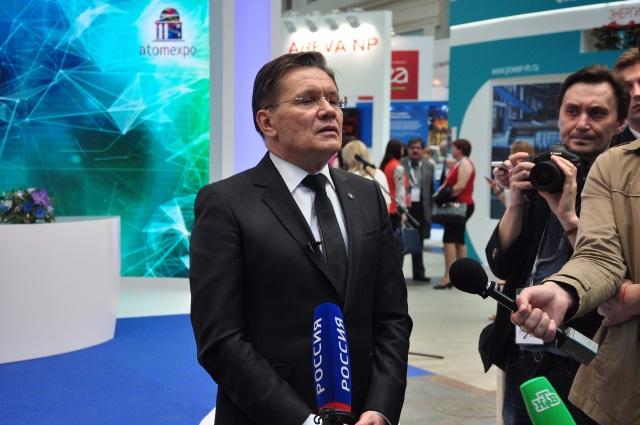 Ông Aleksey Likhachev - Tập đoàn ROSATOM trả lời báo chí tại lễ khai mạc ATOMEXPO 2017