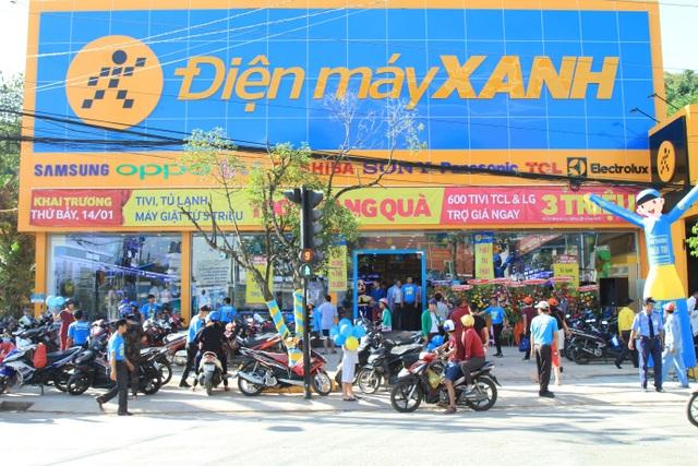 Hình ảnh siêu thị Điện máy Xanh Phú Quốc ngày khai trương