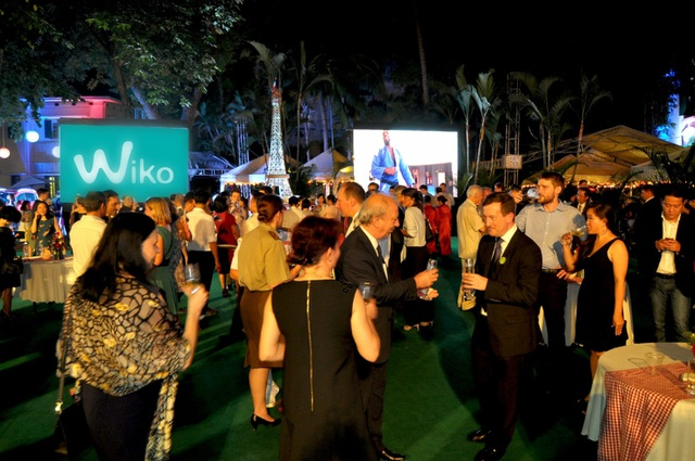Lễ kỷ niệm có đông đảo người Việt Nam và cộng đồng người Pháp tham dự