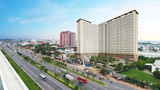 Saigon Gateway sở hữu vị trí độc tôn mặt tiền đường Song Hành, xa lộ Hà Nội và đối diện trạm metro số 11