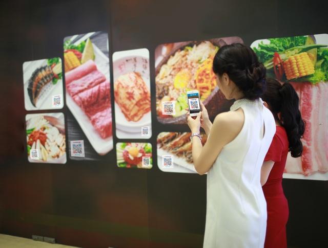 Mã QR được tích hợp trên các gian hàng ảo giúp doanh nghiệp bán hàng mọi lúc, mọi nơi