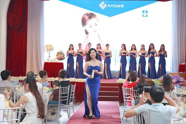 Sản phẩm được ra mắt với dàn người mẫu trẻ trung, xinh đẹp