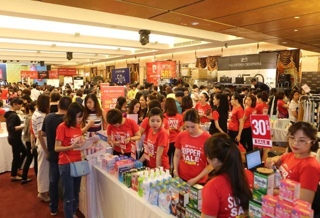 Một góc gian hàng Mỹ phẩm, Nước hoa tại sự kiện VStyle's Private Sale