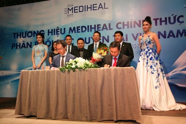 Kí kết hợp tác giữa đại diện Mediheal Hàn Quốc và Mediheal Việt Nam