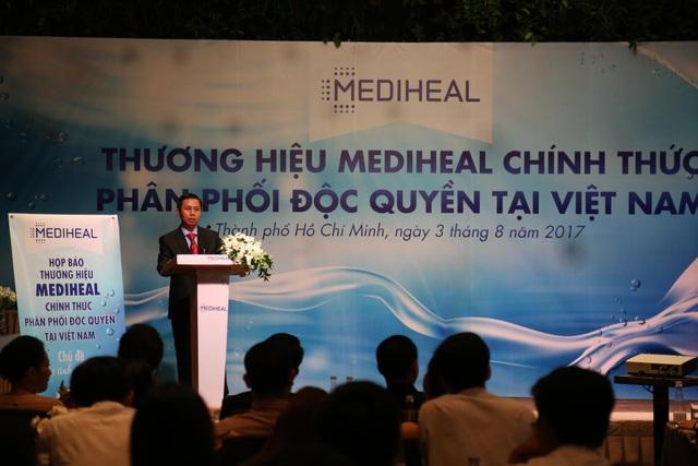 Ông Nguyễn Thanh Thuận trình bày về chiến lược kinh doanh và phát triển của Mediheal Việt Nam