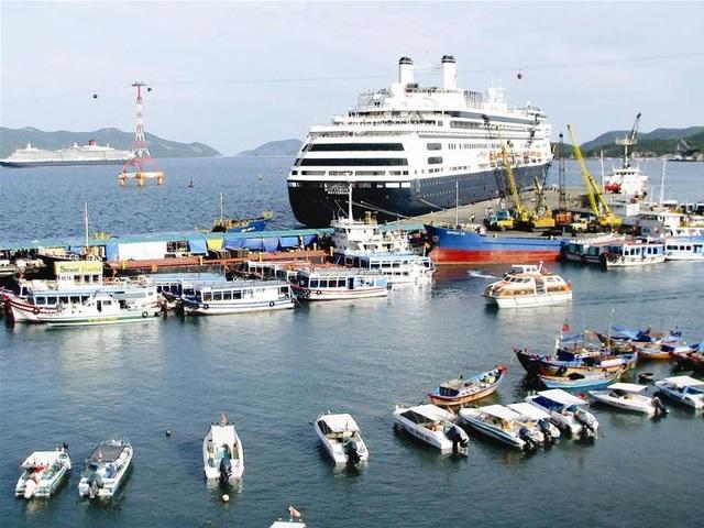 Hằng năm Nha Trang đón lượng lớn khách du lịch