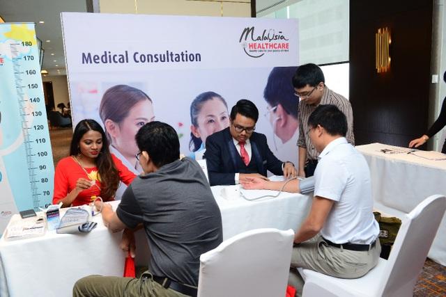 Khách hàng cao cấp của ngân hàng Hong Leong Việt Nam sẽ được hỗ trợ nhiều ưu đãi khi khám chữa bệnh tại Malaysia