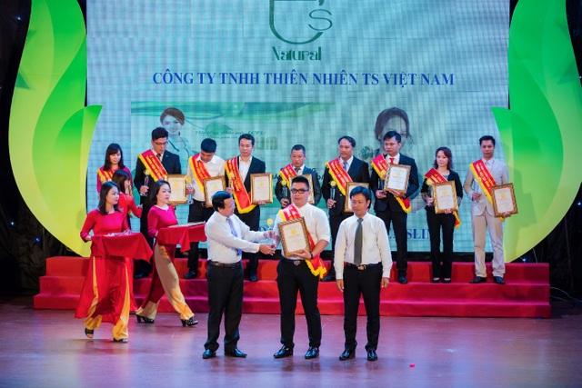 Công ty TNHH Thiên nhiên TS Việt Nam (thành viên của TS Group) với sản phẩm giảm cân an toàn Sen Slim lọt vào top 10 các Thương hiệu Quốc dân được tin dùng nhất hiện nay