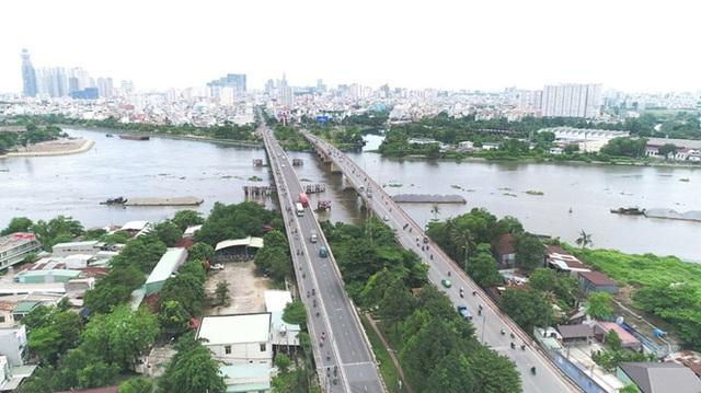 Vùng Đông Bắc thành phố là nơi có cảnh quan thiên nhiên với quỹ đất vàng ven sông