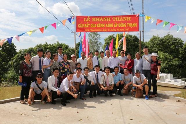 Việt Hưng Phát cùng Áo dài ABC trao 1400 phần quà cho người dân khó khăn các tỉnh miền Tây - 1