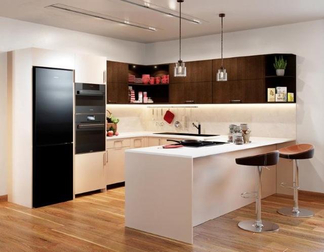 Một gian bếp mẫu ứng dụng toàn bộ giải pháp từ Häfele, bao gồm vật liệu, đèn, thiết bị gia dụng v.v.