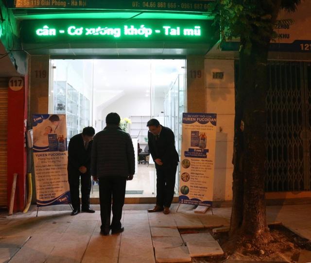 Hình ảnh được ghi lại tại hiệu thuốc số 119 Giải Phóng- phía trước Bệnh viện Bạch Mai