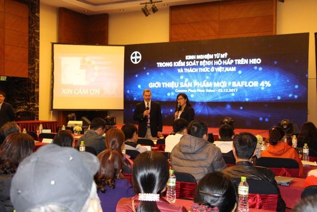 """Toàn cảnh hội thảo """"Kinh nghiệm từ Mỹ trong kiểm soát bệnh hô hấp trên heo và thách thức tại Việt Nam"""" do Bayer tổ chức"""