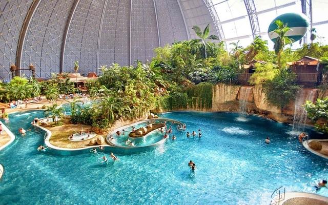 Bãi biển nhân tạo tại Tropical Islands Resort (Nguồn: Tropical Islands Resort)