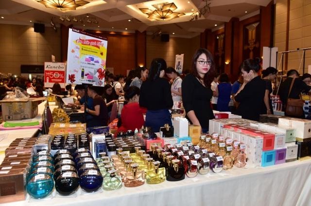 Một góc gian hàng nước hoa tại sự kiện VStyle's Private Sale