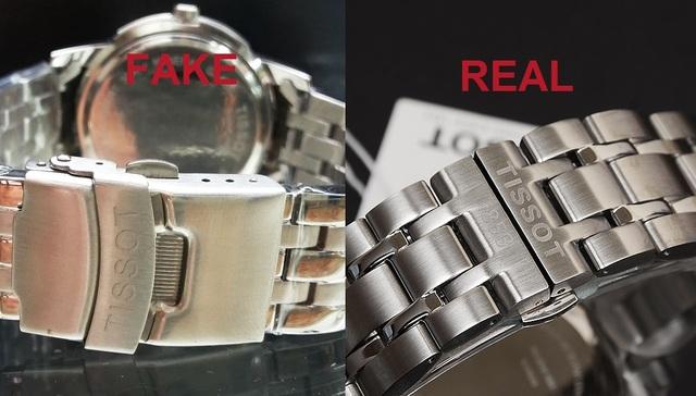 Nhận diện đồng hồ thật qua tên thương hiệu khắc tại khóa cỗ máy