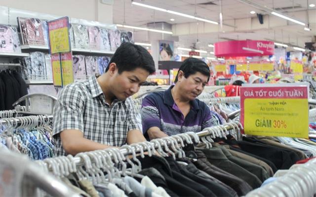 Hệ thống siêu thị Co.opmart lớn nhất nước bắt đầu giảm giá hàng hóa tết - 3