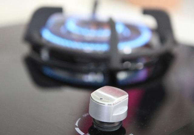 Luôn tắt bếp và khóa van bình gas sau khi sử dụng để đảm bảo an toàn (Hình ảnh: Linkedin)