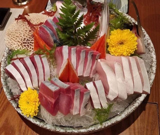Cá Buri được giới nhà giàu Việt yêu thích bởi sự béo ngọt, mềm mịn như tan ra trong miệng
