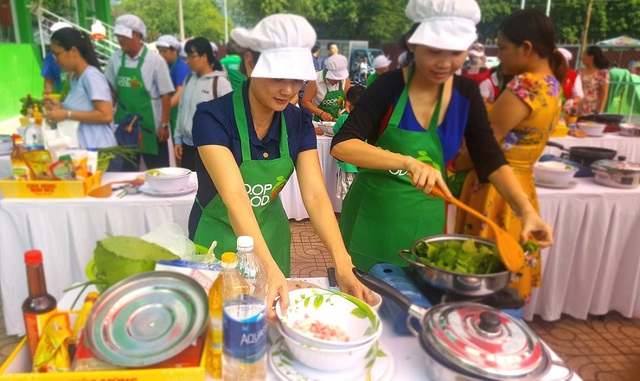 Gia đình tham gia sự kiện của Saigon Co.op tại Co.op Food