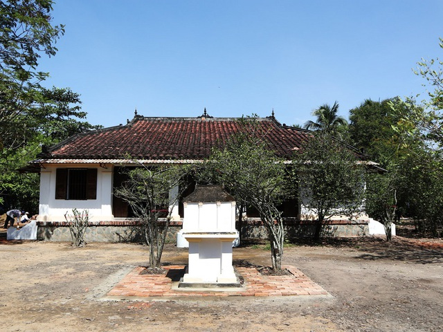 Nhà Việt cổ 132 năm tuổi tại An Phú Tây giữ trọn nét đẹp bí ẩn của những giá trị truyền thống lâu đời của người Việt với kiến trúc xưa cũ kết hợp cùng những bức tường và đồ dùng thuộc về thế kỉ 18. Ảnh chụp bởi @stu82517 với Canon EOS M100