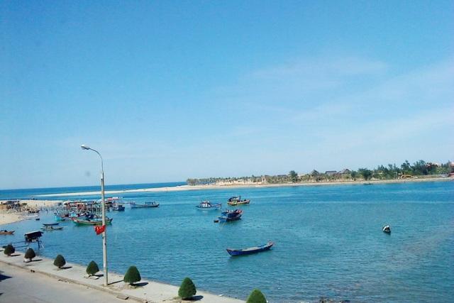 Bãi biển Nhật Lệ trong xanh