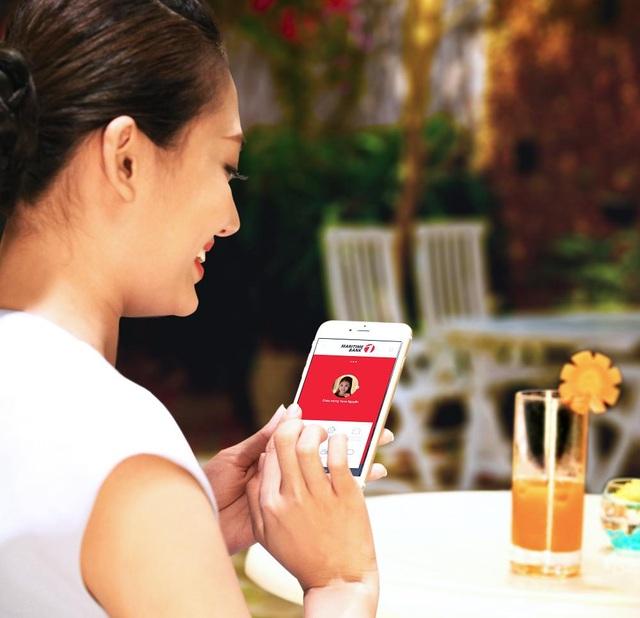 Chỉ cần đăng ký gói tài khoản ngân hàng một lần, bạn có thể nhận ngay 3 sản phẩm: Tài khoản thanh toán, Thẻ ghi nợ quốc tế Easy Shop Premium, Dịch vụ ngân hàng điện tử M-Banking (bao gồm: Internet Banking, Mobile Banking và SMS Banking).