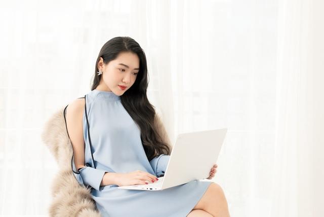 LG Gram hội tụ đầy đủ ưu điểm để đáp ứng trọn vẹn nhất mọi yêu cầu của một người phụ nữ hiện đại