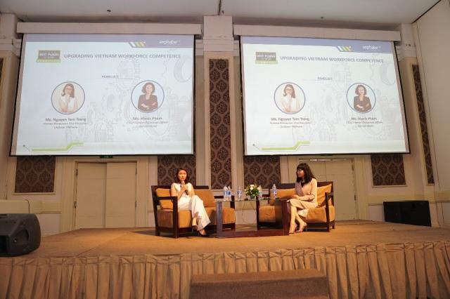 Bà Nguyễn Tâm Trang, Phó Chủ tịch Nhân sự Unilever Việt Nam chia sẻ trong phiên thảo luận Vươn tầm nhân lực Việt tại hội nghị