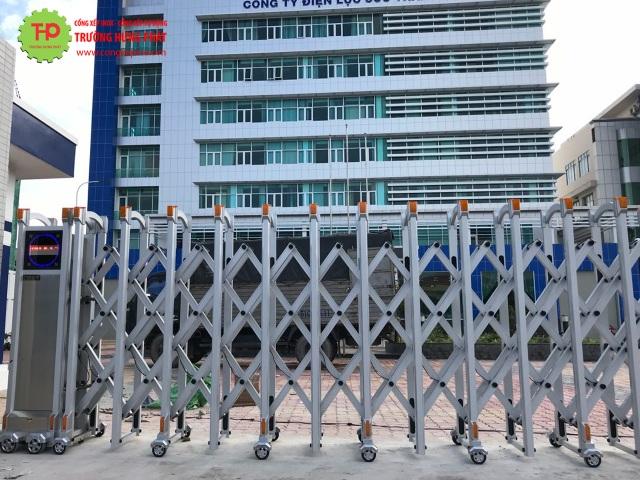 Ưu điểm vượt trội từng sản phẩm cửa cổng xếp Trường Hưng Phát - 4