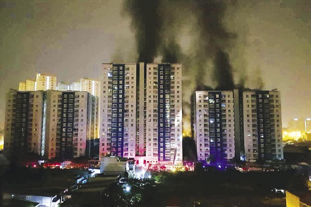 Cháy chung cư Carina khiến 13 người thiệt mạng