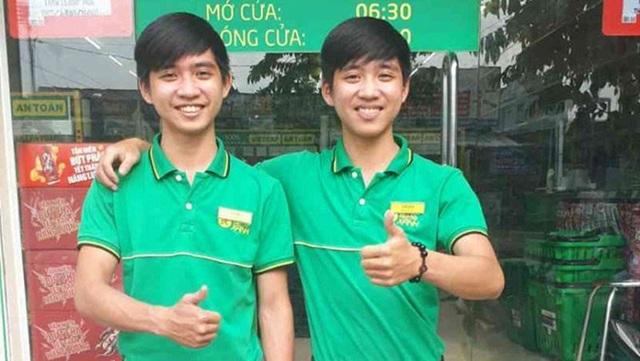 Cặp đôi song sinh Trần Minh Tâm (trái) và Trần Minh Thảo (phải) là hai trong số nhiều quản lý trẻ tuổi (18 tuổi) tại Bách hóa Xanh