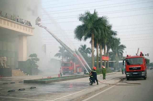 Diễn tập PCCC tại tòa nhà văn phòng Nam Cường – Khu đô thị Dương Nội