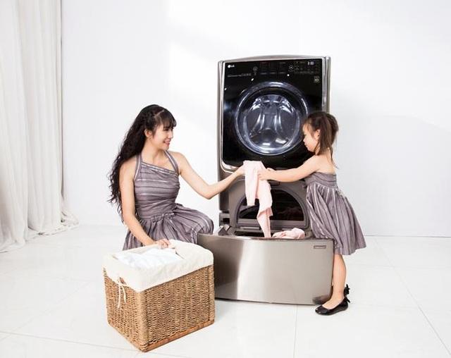 LG TWINWash với chế độ giặt hơi nước, giặt nước nóng giúp giảm thiểu các tác nhân gây dị ứng với làn da của trẻ nhỏ