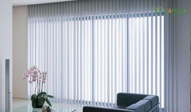 Rèm lá dọc đơn giản và hiệu quả với công năng sửa dụng