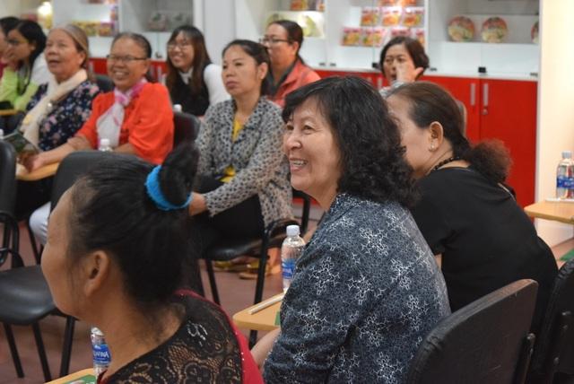 Người Việt làm quen với văn hóa tham quan nhà máy - 2