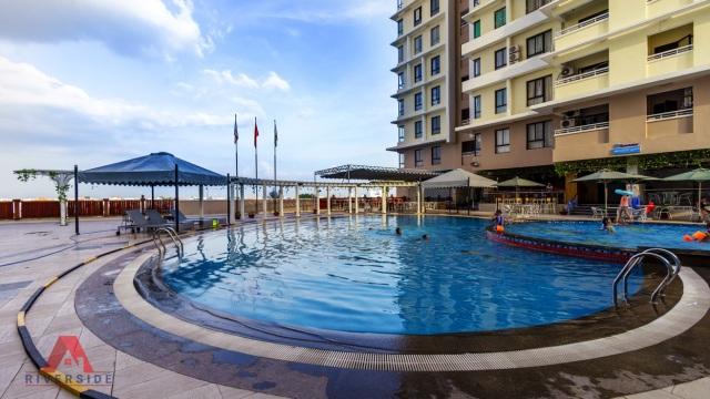Hồ bơi ngay giữa lòng căn hộ sẽ là nơi thư giãn tuyệt vời sau những giờ làm việc căng thẳng
