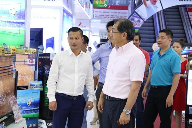 Phó Chủ tịch tập đoàn Sony ghé thăm siêu thị điện máy Pico trong chuyến công tác Việt Nam - 2